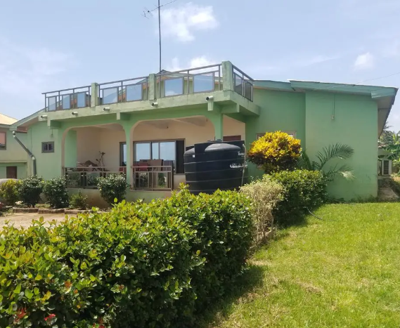 Exquisite 5 4bedroom House Forsale